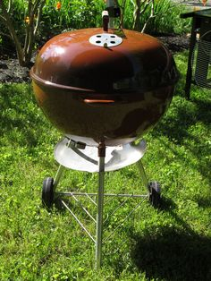 1976/77 Brownie Weber Grills, Weber Bbq, Pit Beef, Weber Kettle, Cast Iron Dutch Oven, Barbecues, Kettles, Charcoal Grill, Grilling