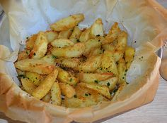Le patate completano sempre un piatto e ogni volta cerco di preparale in un modo diverso. Le PATATE AL FORNO stuzzicanti