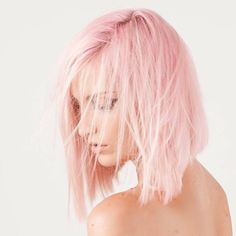 Beautiful pink hair color ideas to makes you looks stunningl 39 - Pastel pink hair - Hair Pastell Pink Hair, Teal Hair, Hair Color Pink, Pastel Hair, Pastel Pink, Pale Pink Hair, Blonde Pink, Platinum Blonde, White Hair