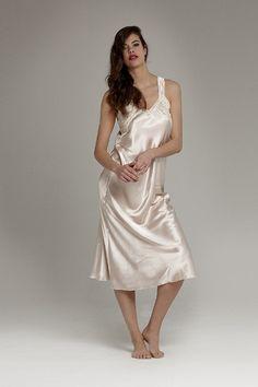 Pyjama Satin, Satin Nightie, Silk Chemise, Satin Sleepwear, Satin Lingerie, Satin Pajamas, Vintage Lingerie, Silk Nightgown, Nights In White Satin