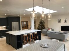 Glass lights so as not to block the view? Kitchen Family Rooms, Living Room Kitchen, Home Decor Kitchen, Kitchen Interior, Home Kitchens, Kitchen Design, Open Plan Kitchen Dining Living, Open Plan Kitchen Diner, Kitchen On A Budget