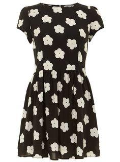 Black daisy fit tee dress - Fit & Flare Dresses  - Dresses
