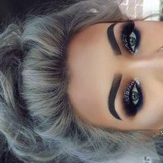 Eu amo a maquiagem, mais amo principalmente as sombrancelhas bem feitas ❤❤