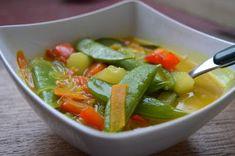 Kari polévka s kokosovým mlékem Thai Red Curry, Cantaloupe, Fruit, Ethnic Recipes, Food, Essen, Meals, Yemek, Eten