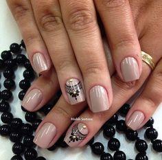 Nails #linda #rendinha #naoéadesivo #tudofeitoamaolivre #madahsantana #manicure #nailart #amooquefaço #unhadasemana ❤️