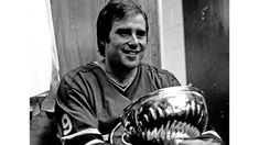 As the 1971 Stanley Cup Playoffs approached, no team in hockey was more feared than the Boston Bruins. They had the greatest player in the sport, Bobby Orr. Stanley Cup Playoffs, Stanley Cup Finals, Hockey Girls, Hockey Mom, Ice Hockey, Montreal Canadiens, Ken Dryden, Canadian Culture, Canadian History