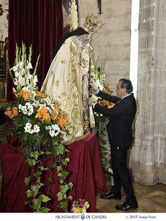 Muy orgulloso de entregar la Vara de Mando a la Virgen de los Desamparados, Patrona de Gandia