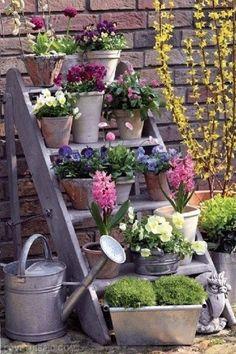 31 Stunning Spring Garden Ideas for Front Yard and Backyard Landscaping Small Cottage Garden Ideas, Garden Cottage, Family Garden, Cottage House, Backyard Cottage, Garden Living, Glass Garden, Garden Pots, Herbs Garden