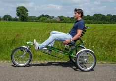 Looking for a recumbent tricycle with extra support? The Easy Sport by Van Raam has an ergonomic sitting position and a low entry. Velo Tricycle, Trike Bicycle, Recumbent Bicycle, Alfa Romeo Cars, Bmw Series, Vespa Scooters, Pedal Cars, Audi Tt, Transportation Design