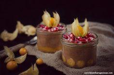 Vegane Mandelcreme mit exotischen Früchten