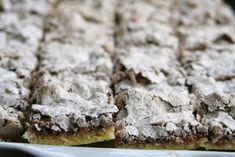 (Por Mi casa en el mar)            150 grs. manteca  70 grs. azúcar  ½ cdita. Polvo de hornear  2 yemas  1 cdita. esencia de vainilla  200 ...