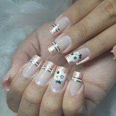 40 Modelos de Unhas com Flores Manicure Nail Designs, Nail Manicure, Nail Art Designs, Elegant Nails, Classy Nails, Easter Nail Designs, Pearl Nails, Nail Art Kit, Wedding Nails Design
