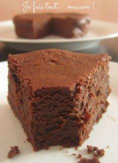 Le fondant au chocolat et au mascarpone de Cyril Lignac est devenu un grand classique chez moi : c'est une vraie tuerie ! J'ai donc eu envie d'essayer de rajouter de la pâte de praliné : et bien ce fut une nouvelle fois une réussite !
