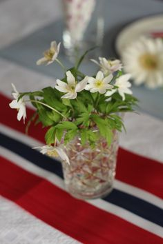 of May / Norwegian Table Runner