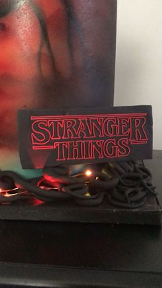 Stranger Things cake - House of Frosting & Shrinking Violette Cakes - Pastel de Tortilla Stranger Things Gifts, Stranger Things Theme, Stranger Things Halloween, Stranger Things Season, Stranger Things Netflix, 14th Birthday Cakes, 11th Birthday, Girl Birthday, Cake Business