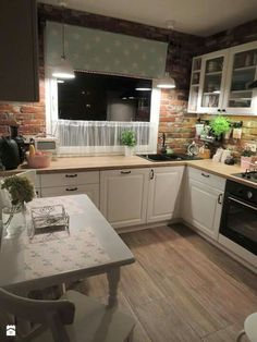 These Scandinavian Kitchen Ideas Perfectly Capture Nordic Living Scandinavian Kitchen Design Ideas For A Stylish Cooking . Farmhouse Kitchen Decor, Country Kitchen, Kitchen Interior, New Kitchen, Kitchen Dining, Farmhouse Layout, Kitchen Ideas, Küchen Design, Design Ideas