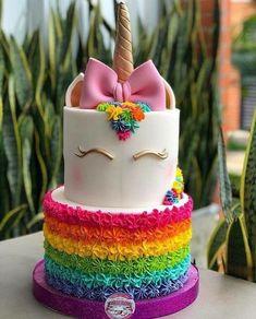No unicorn just rainbow base for smash cake? Beautiful Cakes, Amazing Cakes, Mini Cakes, Cupcake Cakes, Oreo Cupcakes, Unicorn Foods, Unicorn Birthday Parties, Birthday Ideas, 4th Birthday