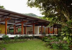 Wouldn't my husband love the hammock on the porch!  - House In Praia Preta / Nitsche Arquitetos Associados