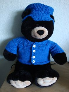 (Made by Susanne Elfrom Nguyen) Strikket tøj til build a bear