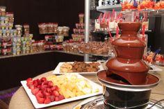 Nuevo lugar para compartir con amigos, Pekados Gourmet Chocolate Fondue, Desserts, Food, Gourmet, Friends, Tailgate Desserts, Deserts, Eten, Postres