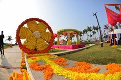 The Flowers Of Prosperity - Marigold Decor Flower Decorations, Wedding Decorations, Wedding Ideas, Sunflower Wedding Favors, Hindu Rituals, Dream Photography, Big Fat Indian Wedding, Planner Decorating, Flower Boxes