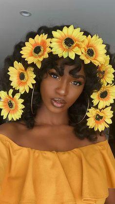 Beautiful Black Girl, Pretty Black Girls, Black Girl Art, Black Girl Magic, Black Girl Photo, Sunset Makeup, Dark Skin Makeup, Natural Makeup, Black Girl Makeup Natural
