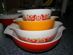 Vintage Pyrex Friendship Pattern Cinderella Orange/Red Mixing Bowls Complete Set