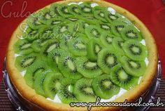 E para refrescar e animar a tarde... Este Bolo de Sorvete com Kiwi sem dúvida vai dar conta do recado — olha que coisa boa!!  #Receita aqui: http://www.gulosoesaudavel.com.br/2011/08/24/bolo-de-sorvete-com-kiwi/