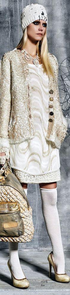Daniela Dallavalle • ≫∙∙☮ Bohème Babe ☮∙∙≪• ❤️ Babz ✿ιиѕριяαтισи❀ #abbigliamento #bohojewelry #boho