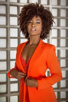 Get this look with Virgin Curly Hair Weave | Explore now to know more Curly Hair Weave Styles, Curly Weave Hairstyles, Short Curly Hair, Natural Hair Styles, Short Hair Styles, Ebony Beauty, Dark Beauty, Pelo Afro, Afro Textured Hair