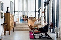 Apartamento de Ian Simpson na Beetham Tower, em Manchester. Projeto de SimpsonHaugh and Partners. #arquitetura #arte #art #artlover #design #architecturelover #instagood #instacool #instadesign #instadaily #projetocompartilhar #shareproject #davidguerra #arquiteturadavidguerra #arquiteturaedesign #instabestu #decor #architect #criative #interiores #estilos #combinações #interior #styles #combinations #beethamtower #machester #londres #iansimpson #simpsonhaughandpartners