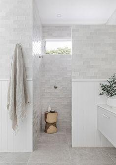 Home Decor Ideas Art Deco Bathroom, Small Bathroom, Master Bathroom, Dream Bathrooms, Beautiful Bathrooms, Bathroom Renovations, Home Remodeling, Half Wall Shower, Bathroom Inspiration
