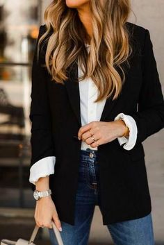 Casual winter outfits / black blazer and white blouse with denim jeans outfit / casual work outfits / weekend date night outfits / minimalist chic style / effortless casual style Casual Work Outfits, Blazer Outfits, Winter Outfits For Work, Mode Outfits, Work Attire, Work Casual, Spring Outfits, Fashion Outfits, Style Fashion