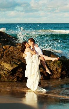 trash+the+dress+photo+shoot+ideas | www.wetpaintphoto... - another fantastic Trash the Dress beach shoot