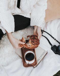 Likiery Chopin (@chopinlikiery) • Zdjęcia i filmy na Instagramie Lifestyle Photography, Wood Watch, Accessories, Instagram, Wooden Clock, Jewelry Accessories