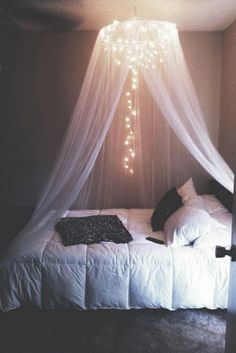 65 very beautiful and comfortable bedroom decor ideas 00010 Furniture Classic Girl Bedroom Designs Beautiful Bedroom Classic COMFORTABLE Decor furniture Ideas Girl Bedroom Designs, Room Ideas Bedroom, Small Room Bedroom, Diy Bedroom, Small Rooms, Canopy Bedroom, Canopy Beds, Cute Bedroom Ideas For Teens, Bedroom Design For Teen Girls