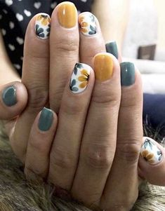 The best nail art designs for spring - romantic nail art, heart nail art designs, white nail art designs, heart tip nails , romantic nail - Heart Tip Nails, Heart Nail Art, Fall Nail Art Designs, Beautiful Nail Designs, Fall Designs, Nail Art Ideas, Short Nail Designs, Nail Designs Floral, Nail Design For Short Nails