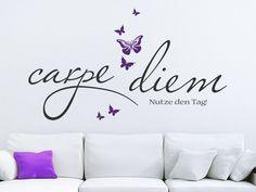Mit dem Wandtattoo Carpe diem mit Schmetterlingen kannst Du Deine Wand kreativ gestalten.
