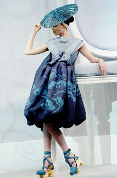 mecreatingme:  Dior Haute Couture  Spring/Summer 2007. Asian inspired design.  Gorgeous!