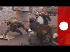 Brutal video shows all-out street war in Kiev, death toll rises in fresh Latest images show street riots in Kiev on the morning of Thursday, Februray 20. News media has filmed protesters being shot at in front of hotel Ukraina as clashes continue in the Ukrainian capital. The number of victims is still rising, news agencies say at least 25 people have been killed.