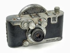 Looks complicated to me 22-vintage-cameras-a-buyer-s-guide-for-photographers-univex-mercury-II-model-CX