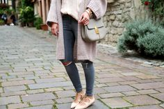 outfit-ripped-jeans-topshop-loeffler-randall-nude-lace-up-flats