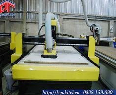 Máy CNC chạy tự động - xưởng sản xuất Tủ Bếp Xinh