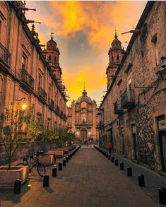 Best Things to Do In Mexico. Mexico has long been a favorite destination for tourists from all over the world, with a large increase of tourists from the Mexico Michoacan, Mexico Wallpaper, Visit Mexico, Mexico Travel, Mexico City, Mexico House, World Heritage Sites, Wonderful Places, Beautiful Places