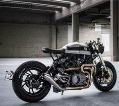 Yamaha XV750 by @moto_adonis