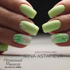 False nails have the advantage of offering a manicure worthy of the most advanced backstage and to hold longer than a simple nail polish. The problem is how to remove them without damaging your nails. Marriage is one of the… Continue Reading → Green Nail Designs, Nail Designs Spring, Nail Art Designs, Nails Design, Spring Design, Spring Nail Art, Spring Nails, Spring Art, Nagellack Design