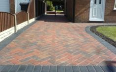Do you need top quality block paver in Broxbourne? Regency Uk Builders provide high class and superior block paver Broxbourne. They have extensive series of block paver and this great facility is provided at very economical prices. Driveway Tiles, Block Paving Driveway, Driveway Paving, Driveway Design, Driveway Landscaping, Stone Driveway, Front Driveway Ideas, Front Path, Paving Design