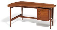 831/1103 - Arne Vodder: Desk with raised edge. Front with drawer section, three drawers, handles of brass. Model BO 85.