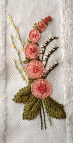 hand embroidery stitches tutorial step by step how to do french knots embroidery new brazilian embroidery design Brazilian Embroidery Stitches, French Knot Embroidery, Hand Embroidery Videos, Embroidery Stitches Tutorial, Embroidery Hoop Art, Hand Embroidery Patterns, Ribbon Embroidery, Floral Embroidery, Cross Stitch Embroidery