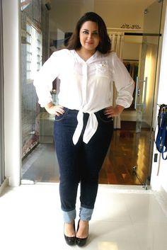 Débora Fernandes: Emporium Plus Size - Look Jeans + Camisa com Nózinho